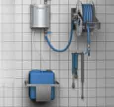 Complete cleaning station with hose reel